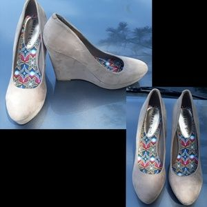 Woman's Madden Girl Shoes-size 8